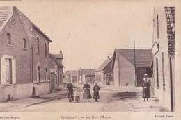 CPA    Hendecourt  (62) La Rue D'Arras    Animée     Ed Roger   Rare   1944 - France