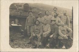Carte Photo Soldats Français, Devant Une Casemate Sur Champ De Bataille / 14-18 / WW1 / POILU - 1914-18