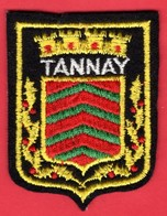 -- ECUSSON TISSU FEUTRINE - BLASON DE TANNAY (Nièvre) -- - Patches