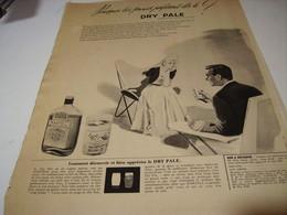 ANCIENNE PUBLICITE LES JEUNES PREFERES LE DRY PAL COGNAC MARTELL 1956 - Alcools