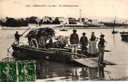 BENODET -29- LE BAC UN DECHARGEMENT - Bénodet