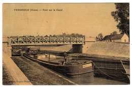02 : Vendhuile : Pont Sur Le Canal : Péniches - France