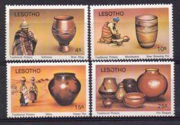 LESOTHO  ( POSTE ) : Y&T N°  401/404  TIMBRES  NEUFS  SANS  TRACE  DE  CHARNIERE . - Lesotho (1966-...)