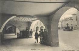 CPA 74 Haute Savoie Thônes Les Arcades - Non Circulé - Ad. Pariot Phot Annecy - Boniface Et Vuarchex édit. Confiserie - Thônes