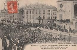1911 - MANIFESTATION VITICOLES DE L'AUBE LE 9 AVRIL - GRAND RASSEMBLEMENT SUR LE PONT DE LA CITE - TOP !!! - Demonstrations