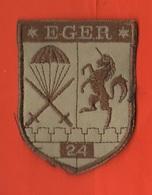 Patch Militari In Stoffa EGER 24° Paracadutisti Parà Francesi - Militaria