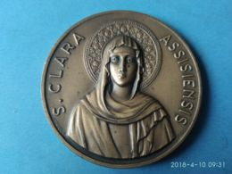 MEDAGLIE PAPALI S. Clara Assisiensis 7° Secolo 1253/1953 - Italy