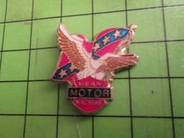 918a Pin's Pins : Rare Et Belle Qualité : THEME MOTOS : PIN'S DE BIKER AIGLE EN VOL DRAPEAU SUDISTE Tout Le Folklore Dou - Motorbikes