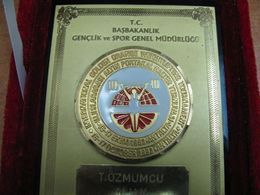 AC - INTERNATIONAL GOLDEN ORANGE WEIGHTLIFTING TOURNAMENT 16 - 17 OCTOBER 1993 ANTALYA TURKEY PLAQUETTE - Tokens & Medals
