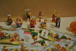 Asterix  50 Ans Anniversaire  ( 2009 ) Lot De 8 Figurines  Et 7 Bpz  ( Sauf Cléopatre ) - Dessins Animés