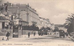 Cp , 06 , NICE , Promenade Des Anglais - Markten, Pleinen