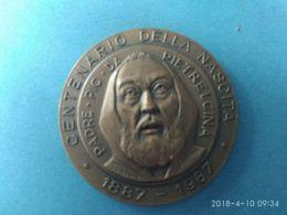 MEDAGLIE PAPALI  Ceentenario Della Nascita Padre Pio Da Pietralcina 1887/1987 - Italy