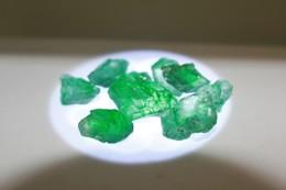 300 - Smeraldo Grezzo - Ct. 50.02 - (9 Pezzi) - Smaragd