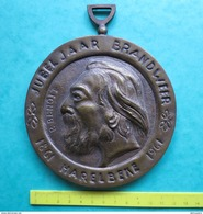 M R (  2 Scans ) JUBELJAAR BRANDWEER 1861 HARELBEKE 1961 - BRONZEN MEDAILLE 410 GRAM - Elongated Coins