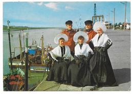 59/62 - LA COTE D'OPALE - Sourire Sur Le Port - Ed. Artaud Frères N° 350 - 1990 - Costumes Folkloriques Bateau De Pêche - France