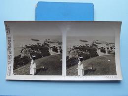 BIARRITZ : Vue Pr. De L'Attalaye V. De Rocher.. : S. 55 - 3392 ( Maison De La Bonne Presse VUES De FRANCE ) Stereo Photo - Stereoscopic