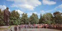 MONUMENT TO BYELORUSSIAN NATIONAL POET YANKA KUPALA MONUMENTO AL POETA NACIONAL DE BIELORRUSIA RUSIA POSTAL COLOR -LILHU - Russia
