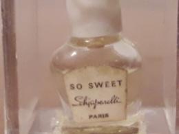 **SO SWEET** De SCHIAPARELLI Rare Parfum 1ml Boîte Plexi De3cm D'arête Bch Blanc Etiquette Blanche - Vintage Miniatures (until 1960)