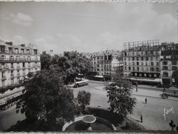 """75 - PARIS - La Place Pigalle """"Le Tabac"""". (Autobus Parisien ) CPSM Rare - Places, Squares"""