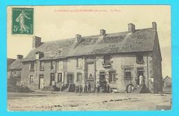 CPA SAINT , ST THOMAS DE COURCERIERS La Place, 53 Mayenne Canton D' Evron Cp Animée - Other Municipalities