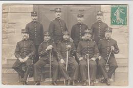 Militaria SAINT MAIXENT Carte-photo Groupe De Soldats (élèves Officiers)  Avril 1909 - Régiments