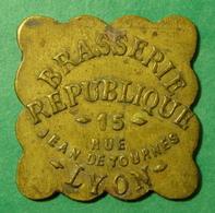 LYON - Brasserie République - 2 Francs - Monetary / Of Necessity