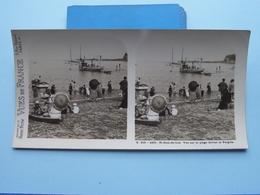 St. JEAN-de-LUZ : Vue Sur La Plage Devant La P : S. 215 - 4421 ( Maison De La Bonne Presse VUES De FRANCE ) Stereo Photo - Stereoscopic