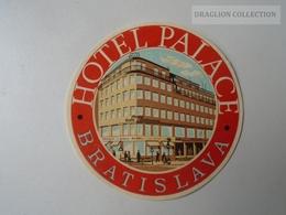 ZA138.43 Vintage Luggage Label  -Hotel Palace -Bratislava- Slovakia - Hotel Labels