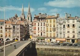 Cpsm Bayonne La Cathédrale Et La Nive - Bayonne