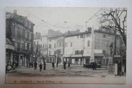 13 : Aubagne  - Place De L'Obélisque ( Tabacs , Coiffeur ) - Aubagne