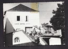 CPSM 30 - CAMPRIEU - Village Touristique - TB PLAN CAFE HOTEL Julien Et Sa Terrasse Avec ANIMATION 1970 - Autres Communes