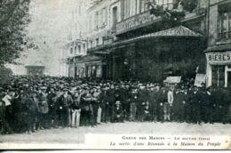 N°66579 -cpa Grèves Des Marins -Le Havre- La Sortie D'une Réunion à La Maison Du Peuple- - Grèves