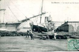 N°66584 -cpa Le Havre -le Travail Sur Les Quais- - Commerce