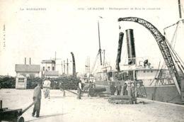 N°66585 -cpa Le Havre -déchargement De Bois De Campêche- - Commerce