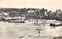 14 - Arromanches-les Bains.1944. Port De La Libération. Place De La Libération Vue De La Mer. - Arromanches