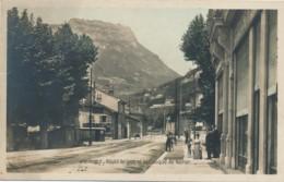H198 - 38 - GRENOBLE - Isère - Route De Lyon Et Le Casque Du Néron - Grenoble