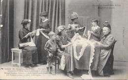 Cpa  49 Angers , Oeuvre Des Dentellières Belges Réfugiées à Angers  , Souvenirs D'Ypres ,  Ww1 , Non écrite - Angers