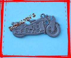 Pin's Officiel Moto HARLEY DAVISON WLA, Seconde Guerre Mondiale , WW2, 2 Scans - Motorbikes