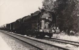 Transports - Chemins De Fer - Photographie Locomotive Et Train - SNCF - Eisenbahnen