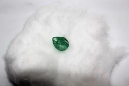 Smeraldo Ct. 4.15 - Pera/Goccia  - Certificato GGL India - Smeraldo