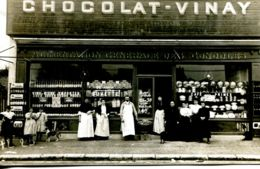 N°66620 -carte Photo Le Havre -chocolat Vinay -alimentation Générale Des Gondoles -1910- Rue Suffrene- - Le Havre