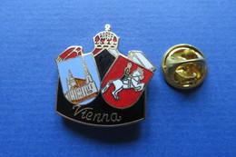 Pin's, Ville,Village,VIENNA,WIEN, Couronne,cheval,blason - Cities
