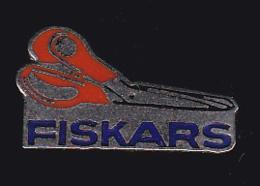 54805. Pin's.ciseaux Aux Anneaux Orange, Fiskars - Merken