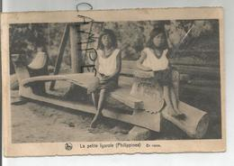 Missions De Scheut. Deux Petites Igorotes Sur Un Banc. - Philippines
