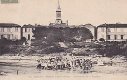 Giens Hopital Renee Sabran Lancement Bateau Neptune Foule Qui Pousse Le Bateau 1918 - Sonstige Gemeinden
