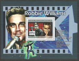 GUINEA 2007 POP ROCK MUSIC ROBBIE WILLIAMS M/SHEET MNH - Guinea (1958-...)
