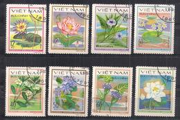VIETNAM   1980   FIORI  ACQUATICI    YVERT 213-220      USATA   VF - Vietnam