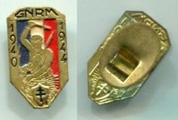 X177 INSIGNE WW2 GNRM GROUPEMENT NATIONAL DES REFRACTAIRES MAQUISARDS MAQUIS RESISTANCE - Altri