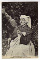 Cpa N° 1418 Vieille Femme D' ELVEN Filant La Coiffe à Pignon - Elven