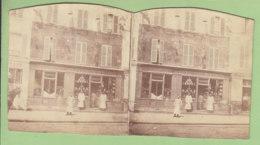 TOURS Vers 1860 - 1870 : Maison Gendron, Distillation Epicerie En Gros. Photo Stéréoscopique. Lire Descriptif. 2 Scans. - Stereoscopic